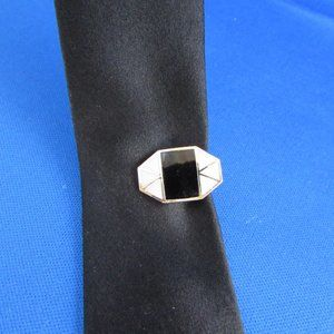 Vintage 1960s small tie clip for skinny ties